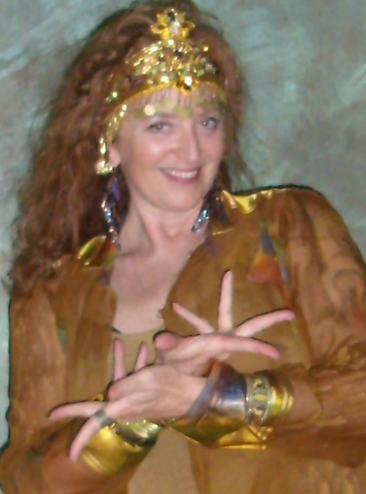 tahya_golden_mudra_closeup